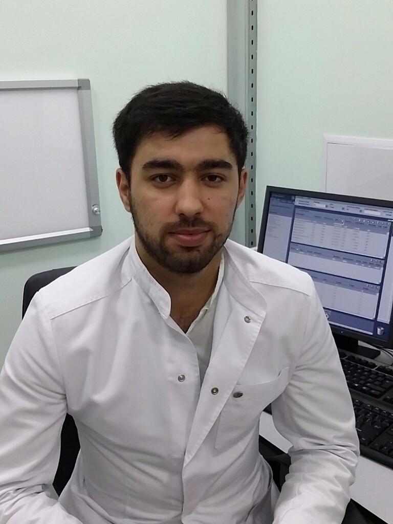 Окончил Астраханскую медицинскую академию